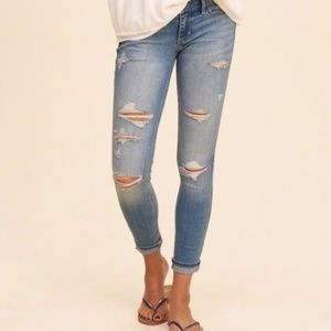 Hollister Low Rise Super Skinny Crop Jean